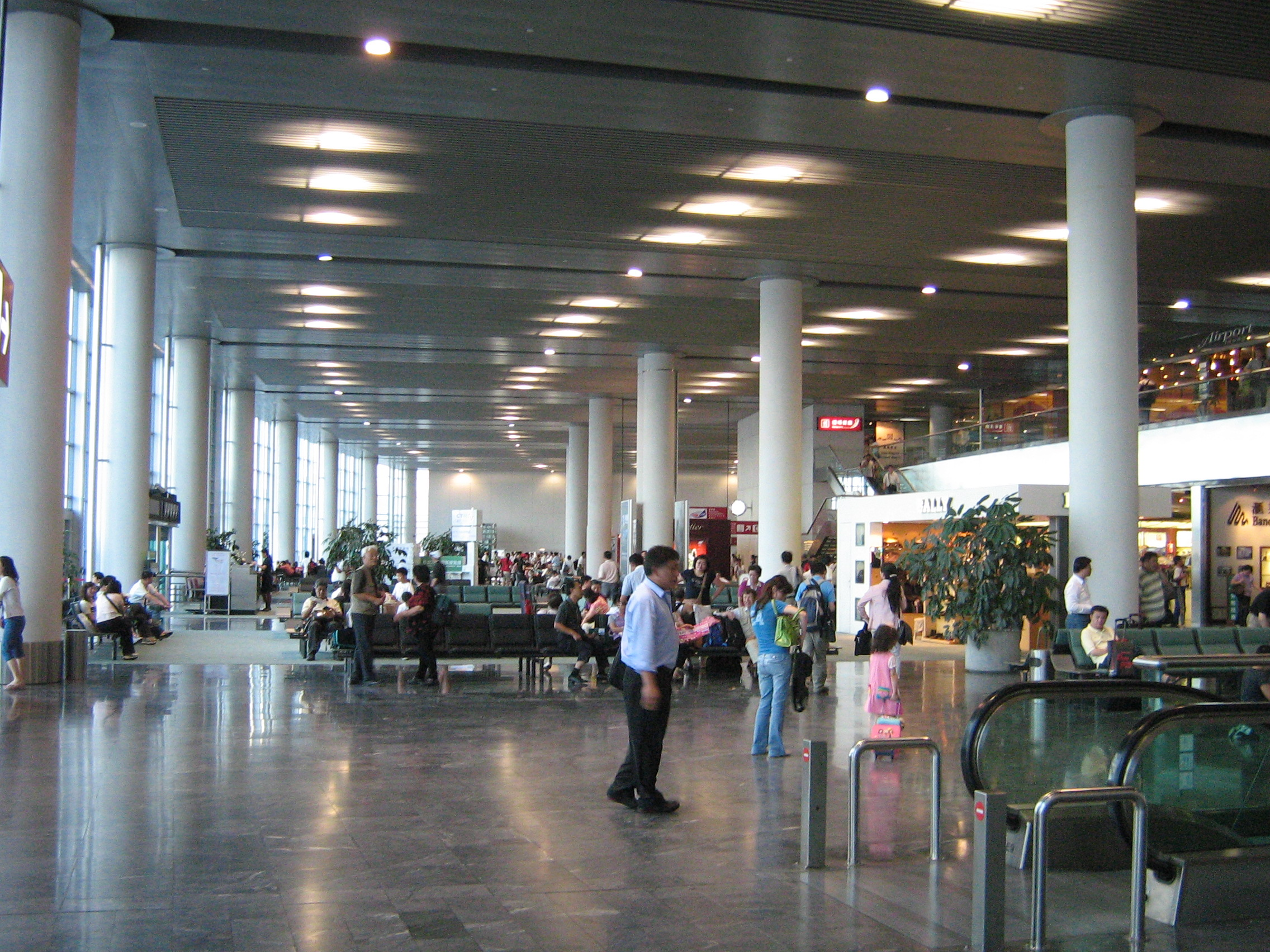 macao_airport_departure_lounge