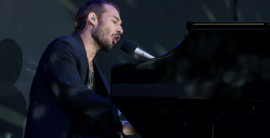 Daniel Johns turns 'Smells Like Teen Spirit' into a Coldplay song