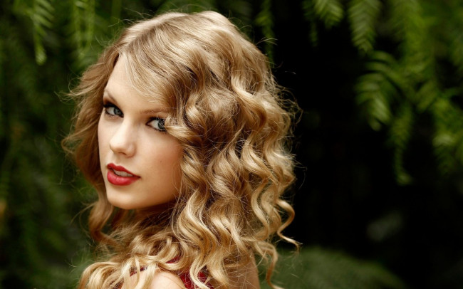 OMG! There's a new Tay Tay video out! You'll never believe what happened next….